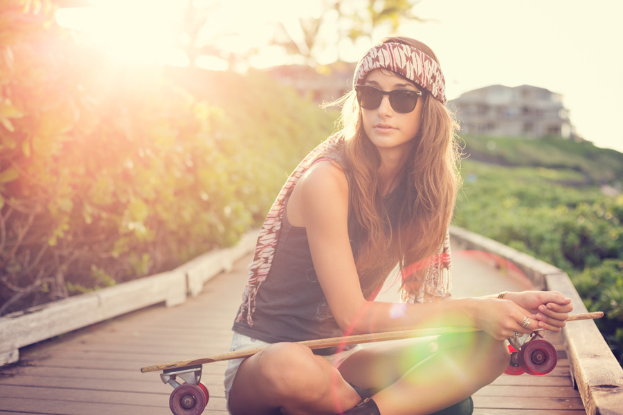 Easy-Life-Girl-with-Skateboard