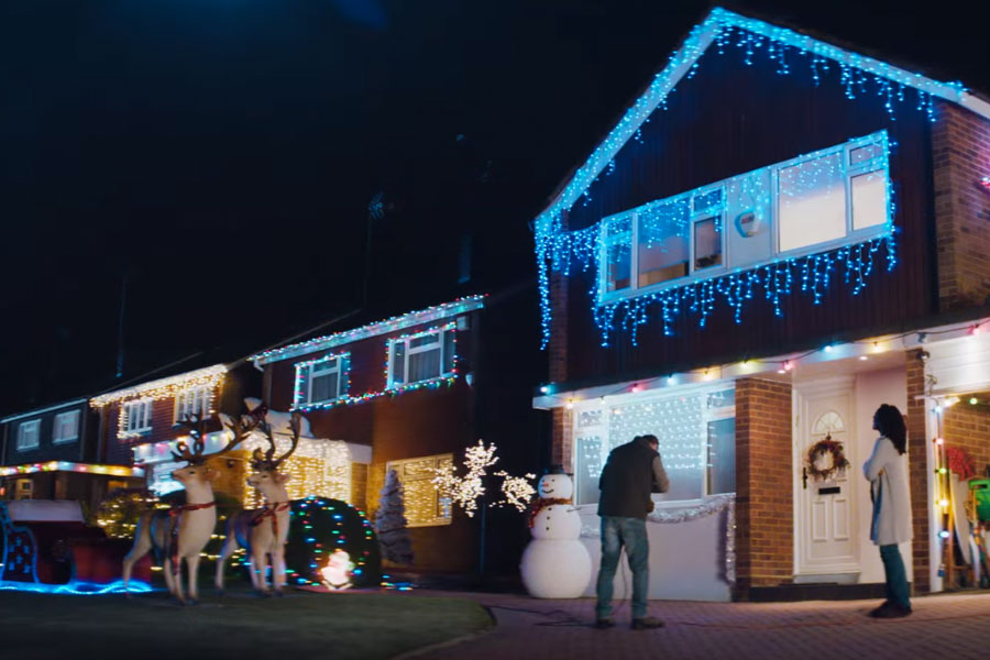 Tesco-Christmas-Lights-On-2014